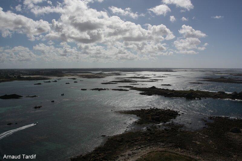 00316 Plouguerneau - Le Pays des Abers - Vue sur l'Ile Vierge et les Abers du haut du phare blog
