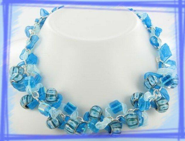 Collier bleu ruban
