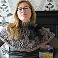 Leafy lace capelet