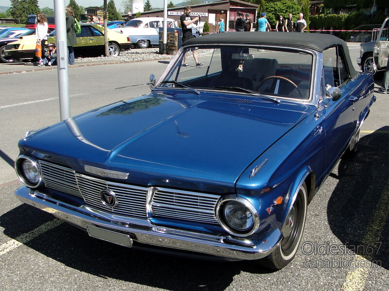 Plymouth Valiant Signet convertible-1965-01
