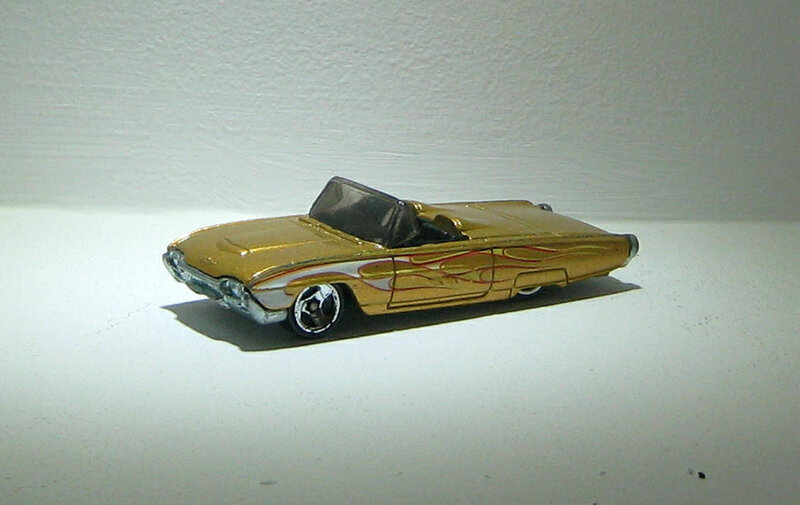 Ford T-bird de 1963 (2004)(Hotwheels)