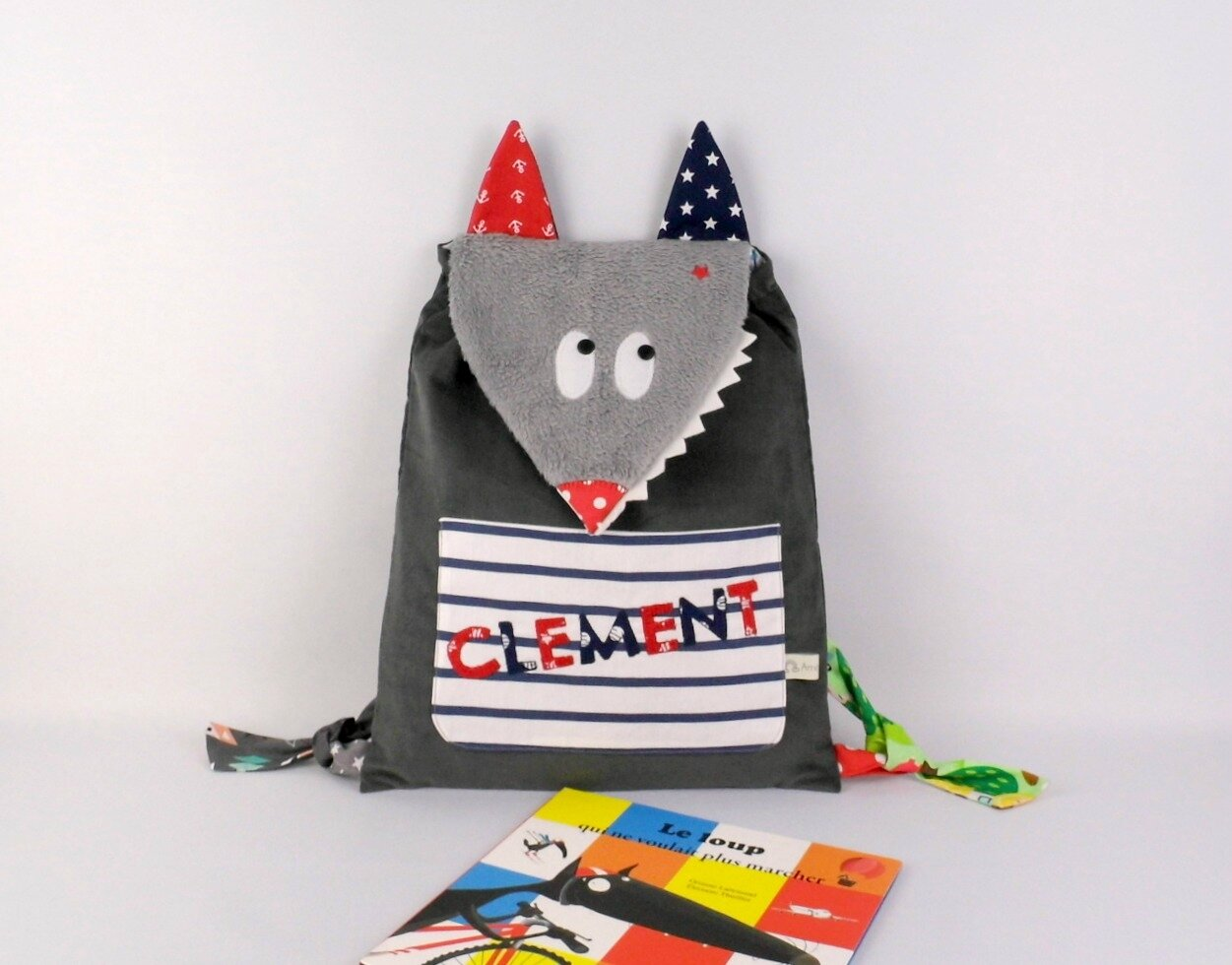 Sac à dos loup personalisé prénom Clément gris rouge bleu marine étoiles ancres marin kid backpack wolf personalized name grey navy red baby shower baby gift