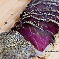Filet de canard séché aux herbes et épices, dans le bac du frigo et à l'air libre, expérience...