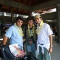 Arrivée à Bali: colliers de fleurs obligatoires!