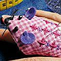 Broderie suisse : jolie petite souris