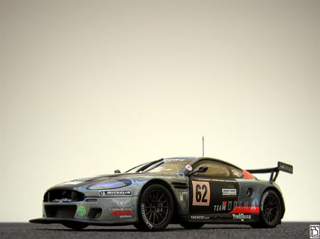 AstonMartinDBR92006TM_01