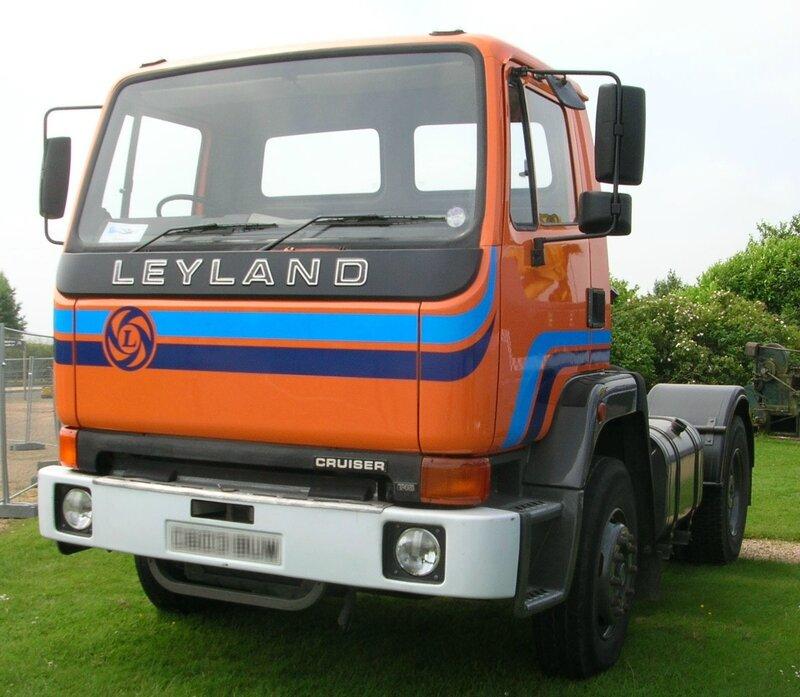 Leyland_T45_Cruiser_tractor_1985