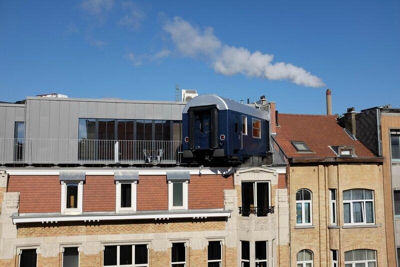 train-hostel-2
