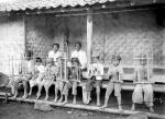 COLLECTIE_TROPENMUSEUM_Jonge_angklungspelers_West-Java