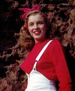 1946-08-CA-Castle_Rock_State_Park-sweater_red-by_william_carroll-021-1