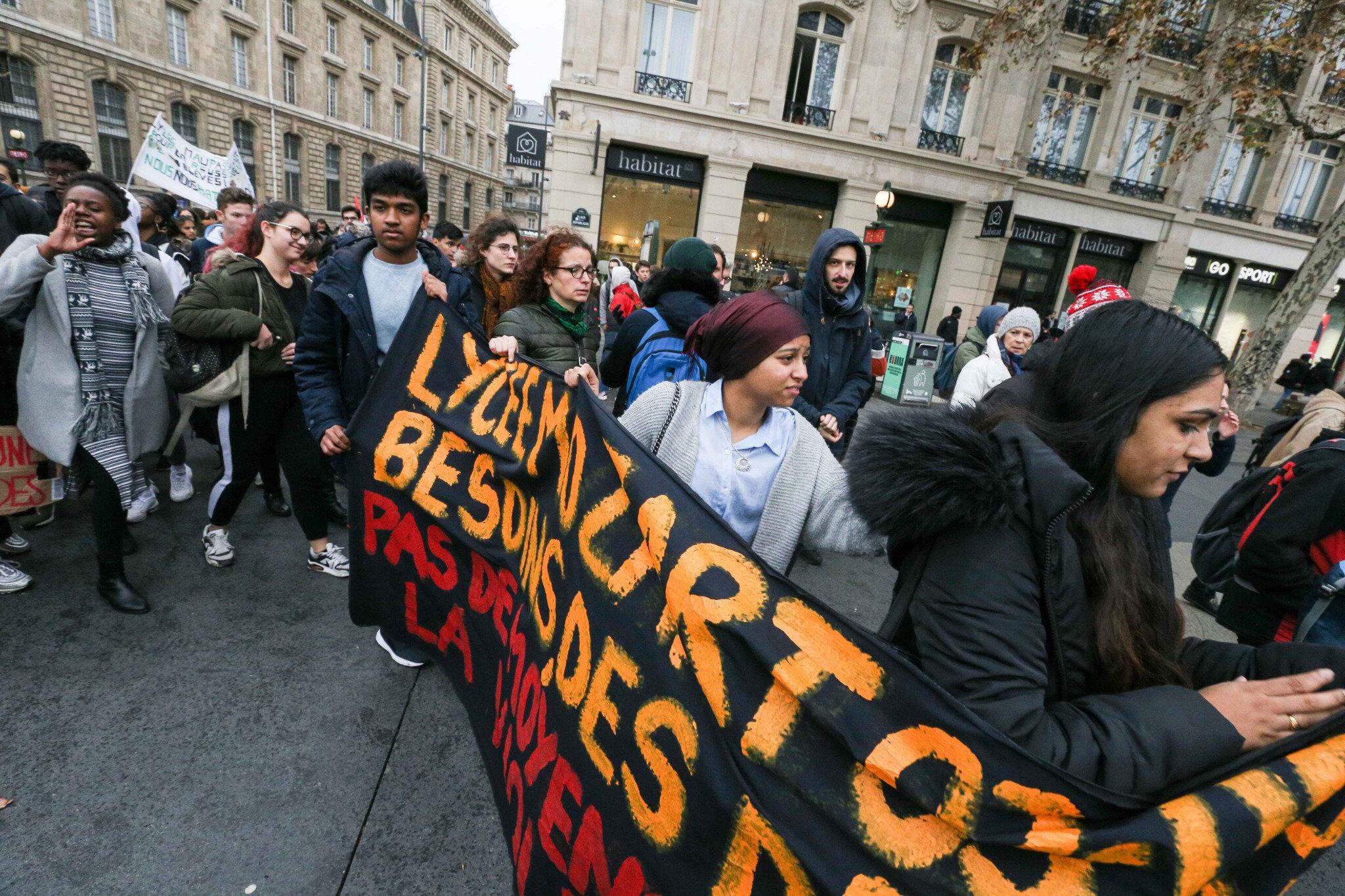 Paris : les lycéens dans la rue. © Michel Stoupak. Ven 07.12.2018, 12h28m47.