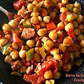 Cocotte de pois chiches aux poivrons et jambon de pays