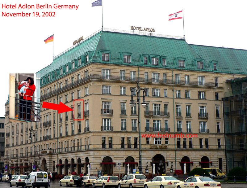 Michael_Jackson_Berlin_Hotel_Adlon_Blanket_Balcony