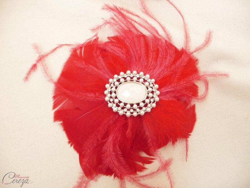 fleur-plumes-rouge-broche-bouquet-mariee-bijoux-original-melle-cereza-deco
