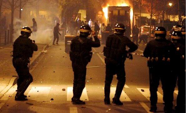 Police CRS émeutes en banlieue