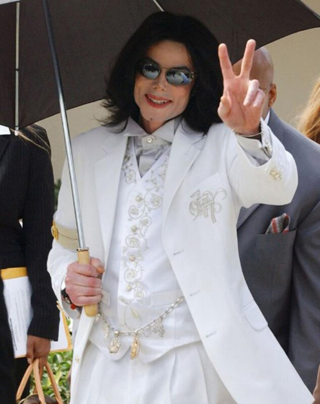 michael-jackson-white-suit
