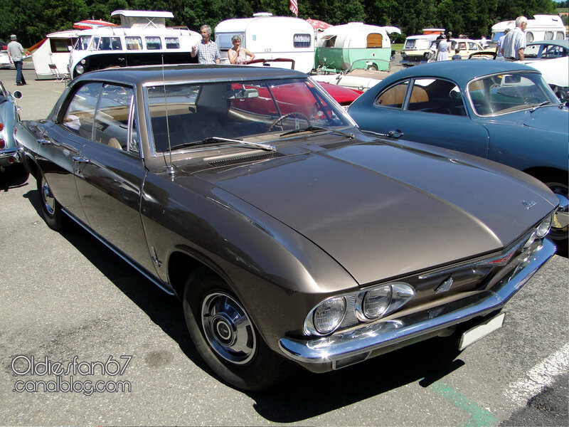 chevrolet-corvair-monza-140-hardtop-sedan-1965-01