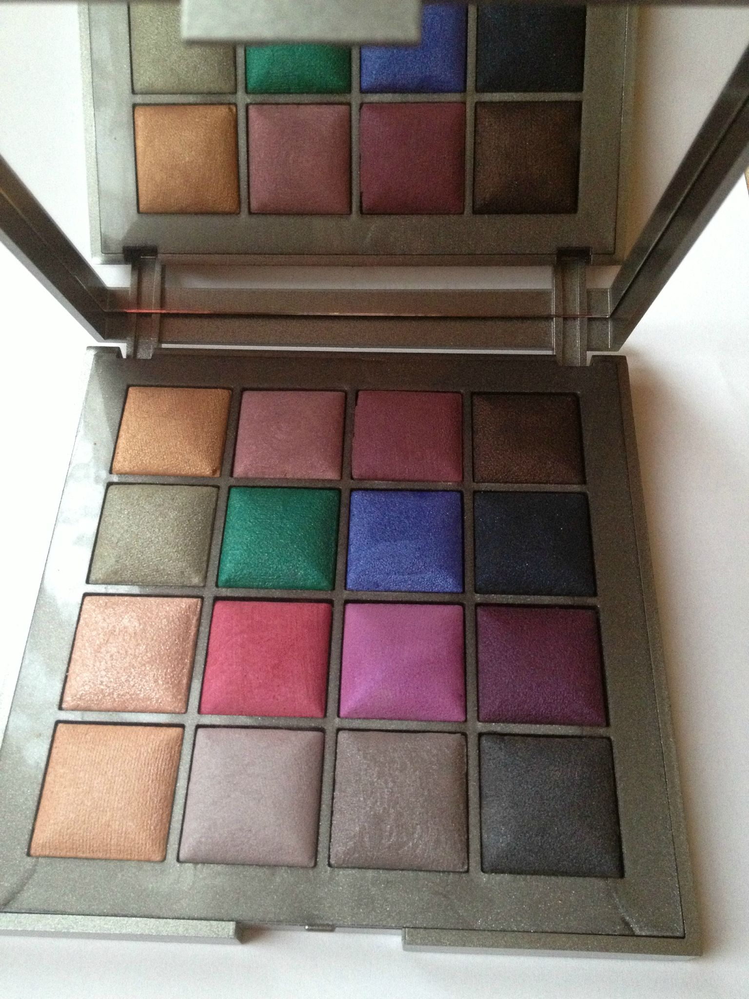 Kiko , Color Fever Must Have Eyeshadow Palette