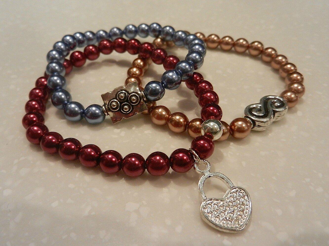 bracelets perles de verre peintes, perles metalliques, élastique