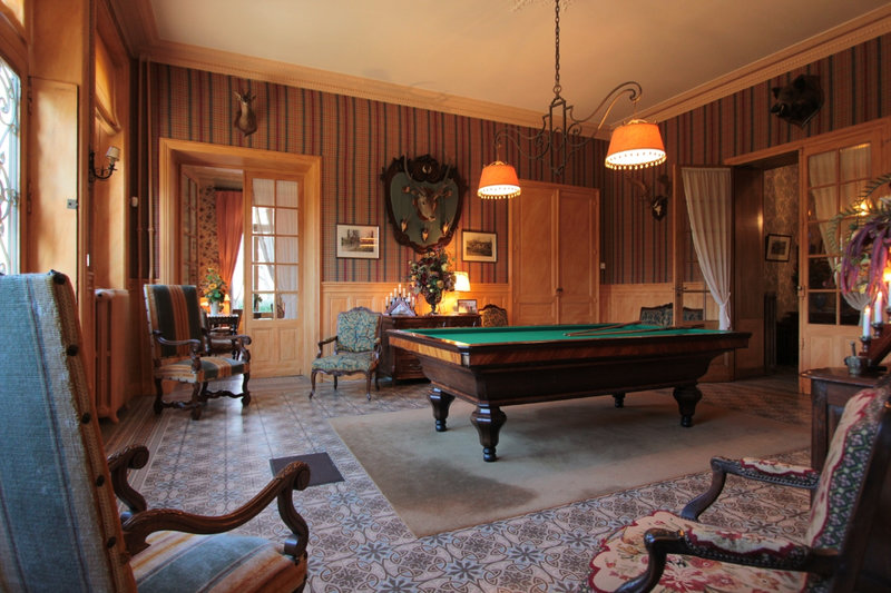 chateau_le_coudreau_salle_de_billard_1