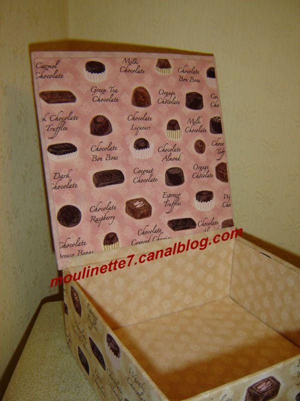 Boîte à chocolats 19x19cm hauteur 8cm