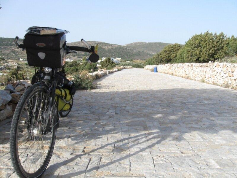 Allée de marbre (île de Paros)