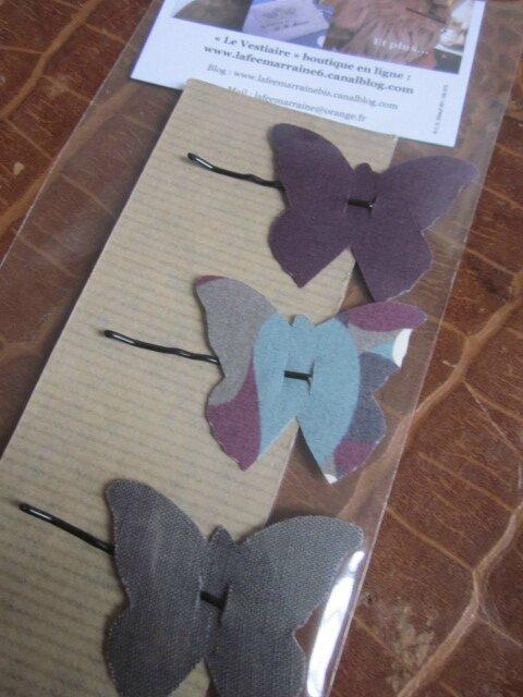Carte de 3 pinces à cheveux papillon dont 1 en Liberty imprimé 1 en lin gris et 1 en coton prune