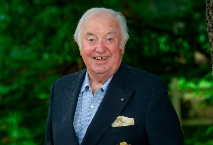 2020-08-27 21_41_22-Jimmy Tarbuck hails NHS and Tom Jones as he plots comeback after prostate cancer