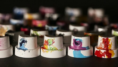 graffiti_caps