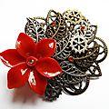 Broche rétro steampunk, fleur rouge et engrenages