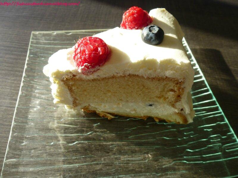 Angel Food Cake aux fruits rouges et à la crème citronnée (45)