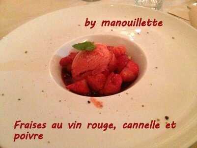 fraises au vin rouge, à la cannelle et au poivre