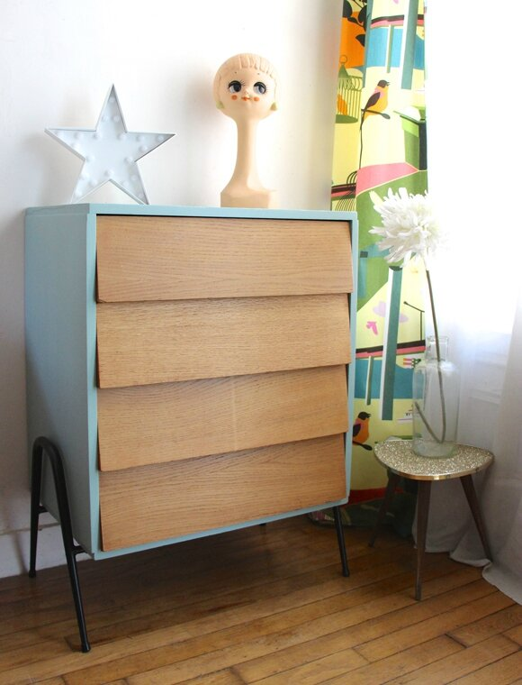 commode-vintage-pieds-metal
