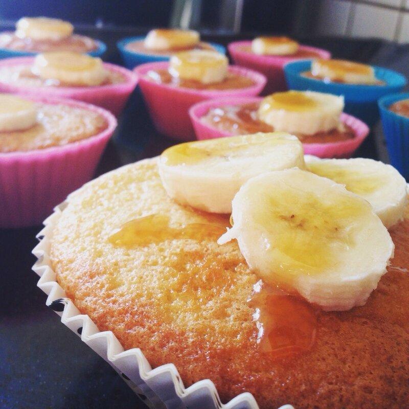 Muffins à la banane et caramel beurre salé