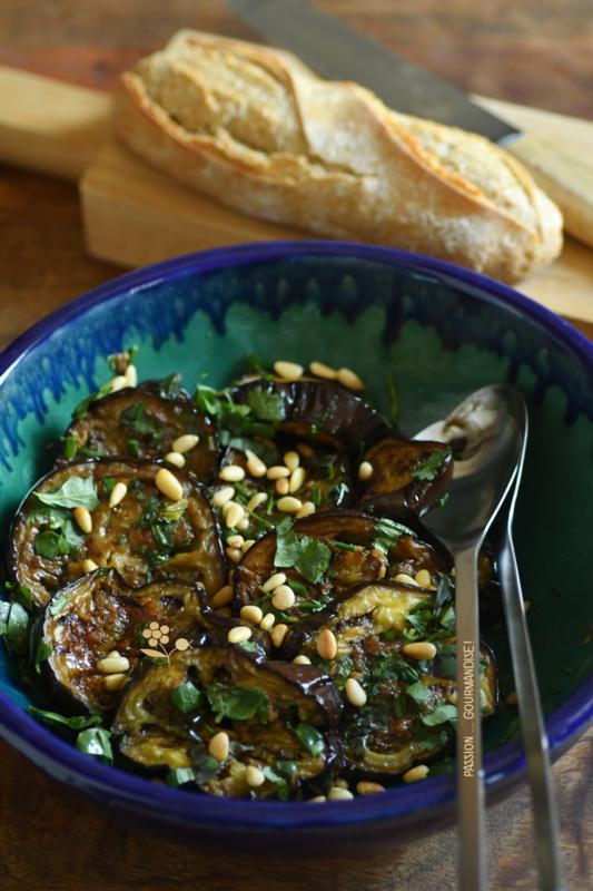 Aubergines rôties, sauce à l'anchois_1
