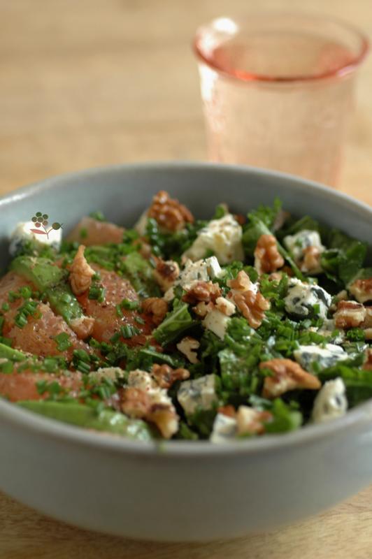 Salade de chou kale, pamplemousse, avocat, Saint Agur, noix de Grenoble_2