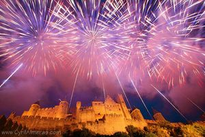 IM6CA_-4269+4288-feux-d-artifices-carcassonne-14-juillet