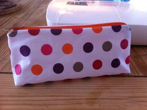 trousse pois orange