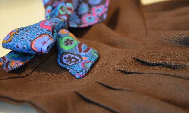 détail du pantalon