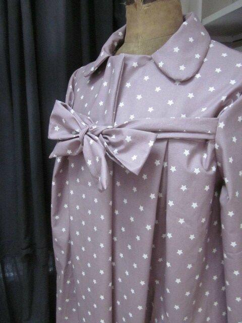 Ciré AGLAE en coton enduit beige rosé parsemé de petites étoiles blanches, fermé par un noeud (3)