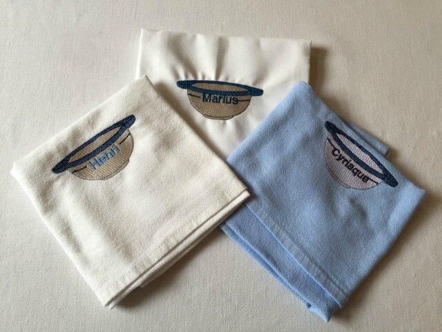 bols bretons sur serviette