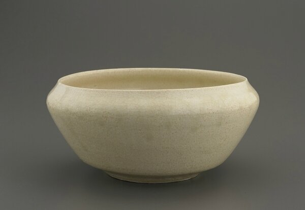 Bowl with inverted rim, Lý or Trần dynasty, 13th-14th century, Vietnam, Hai Duong province, Red River Delta kilns