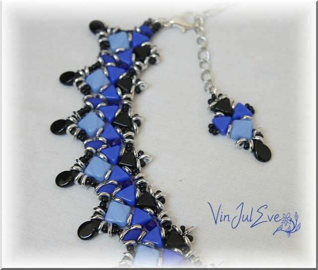Collier Ascéa bleu noir argent1