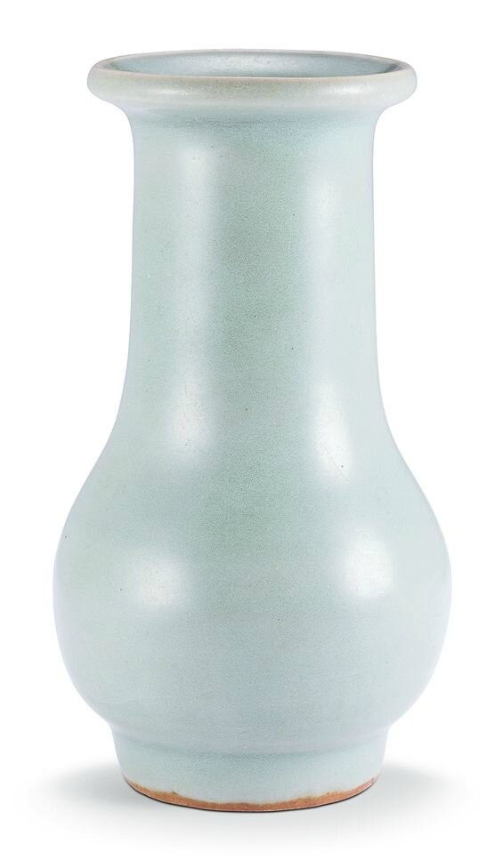A 'Longquan' celadon vase, Southern Song dynasty (1127–1279)