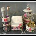 Recyclage de bocal et boites en ferraille pour ensemble salle de bain