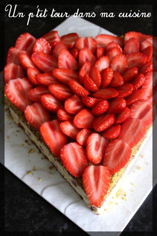 Gâteau coeur fraises2