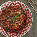 Salade de carotte, concombre et pousses de haricots mungo à l'asiatique