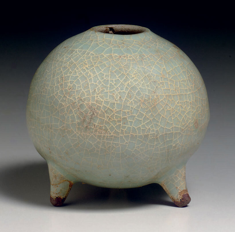 Guan-type tripod water pot, Southern Song dynasty (1127-1279)