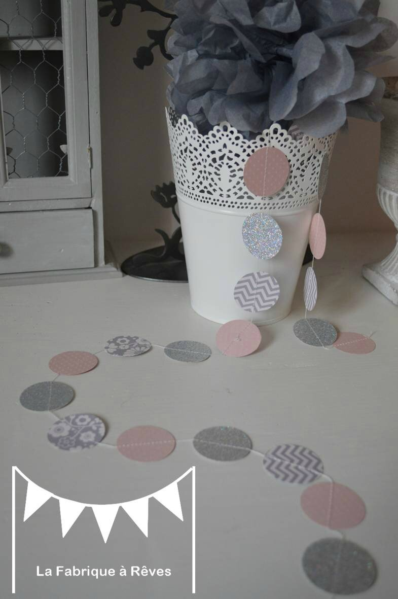 guirlande pastille cousue rond papier carton rose poudr gris chevron d coration chambre enfant. Black Bedroom Furniture Sets. Home Design Ideas