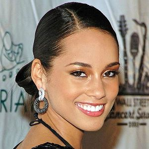 Alicia Keys Hair Styles
